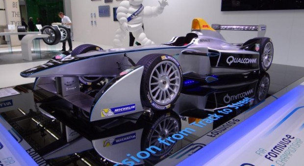 Formula E: maiden track test for Spark-Renault electric single-seater