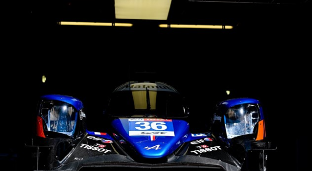 André Negrão will remain with the team that will race under the name of Signatech Alpine Elf